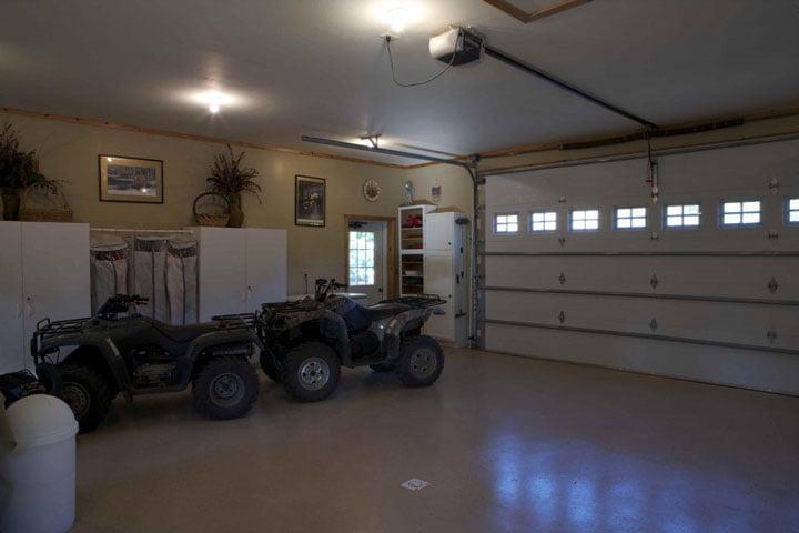 Neat Garage.