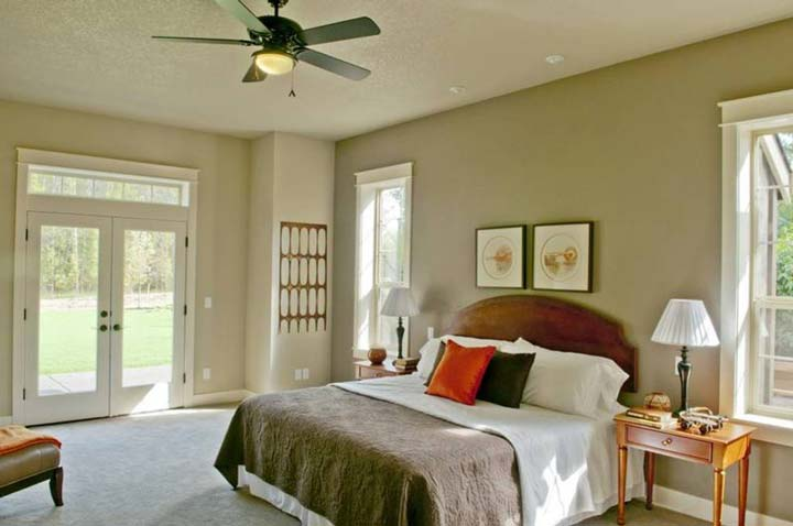 Queen sized bed on spacious bedroom