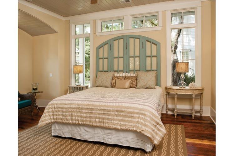 Beautiful and elegant bedroom