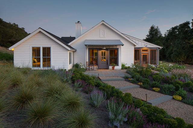 This is surely one of the most elegant farm houses ever made!