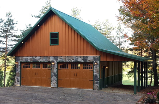 Real metal hobby garage w stone wainscot 6 pictures for Steel building garage with apartment