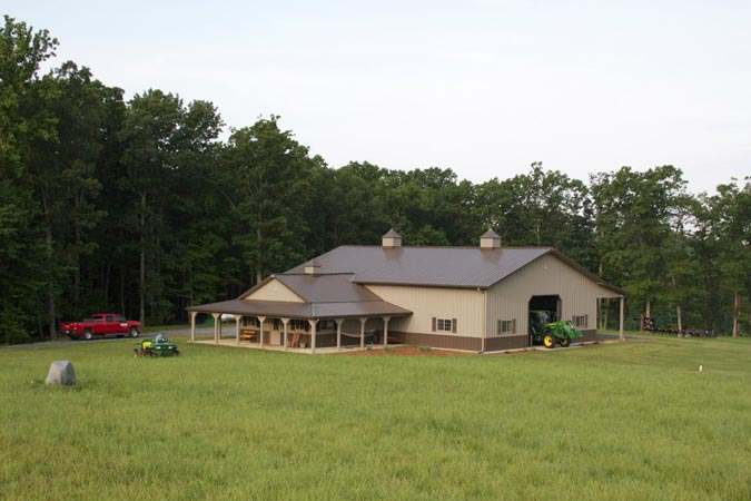 One Of A Kind Metal Building Farm W Porch Kitch Area