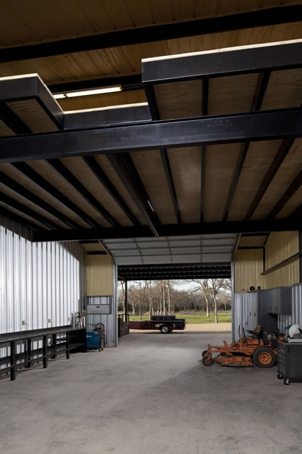 A spacious and tidy warehouse for multiple purposes