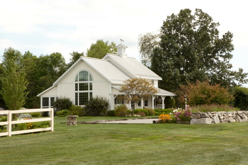 Beautiful cottage house w a blend of farm style home hq for Barn house plans with porches