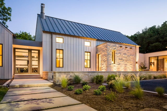 Glorious modern farmhouse in dallas texas 12 hq pictures for Modern metal homes