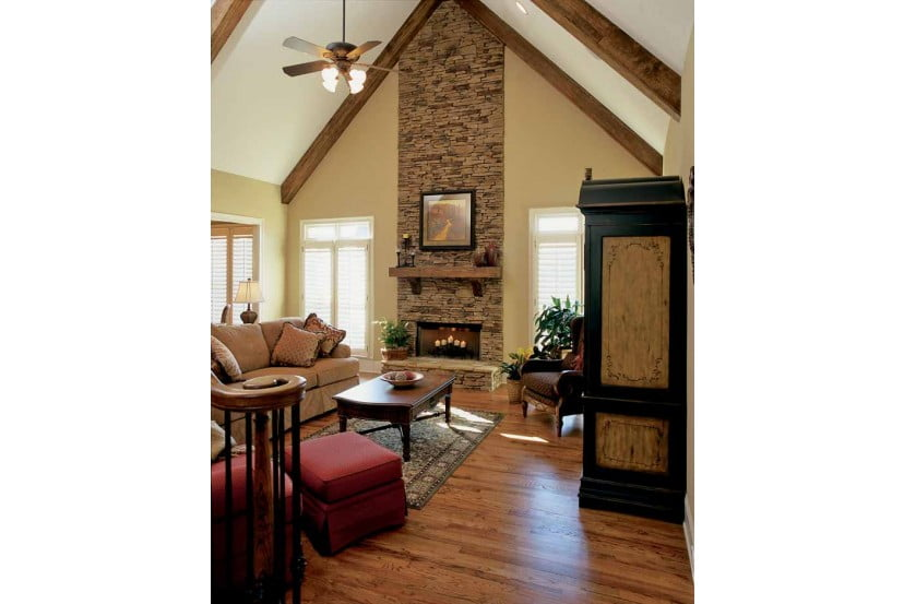 Very well laid out family room