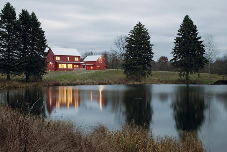 Direct access to a beautiful lake