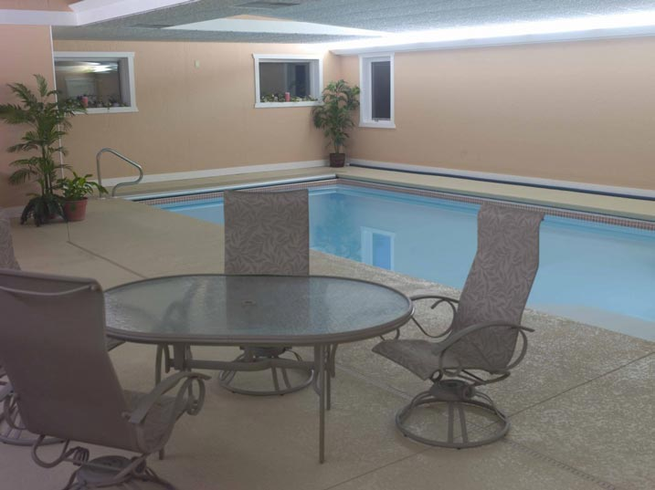 The inside pool with seating