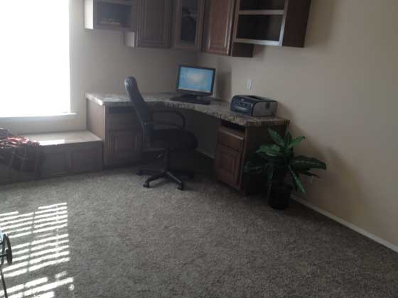 If you're a freelancer or business person, this office area will make your life easier.
