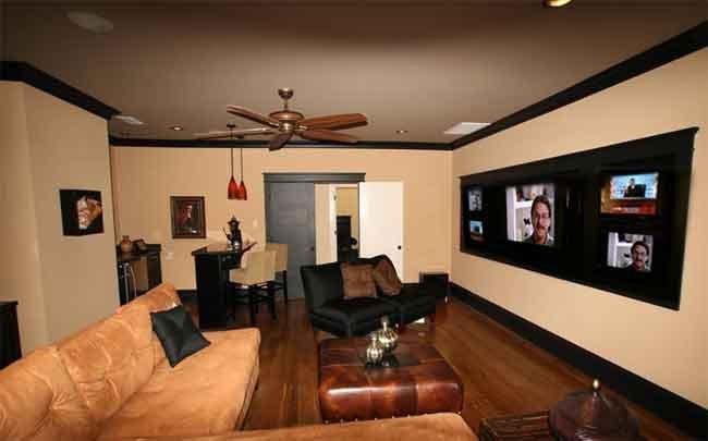 Media/entertainment room