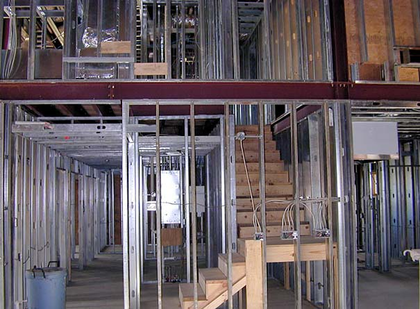 Steel frame is used to ensure durability against natural disasters.