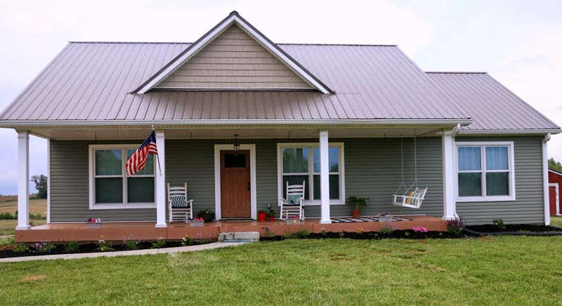 Simple clean farmhouse w very flexible layouts hq for Metal roof home plans