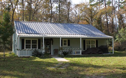 Unbelievable budget steel kit homes starting from 37k for Small metal barn homes