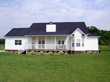 Traditional style ranch farmhouse w wrap around porch for Ranch style steel homes