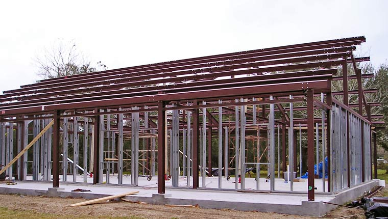 Steel trusses as solid foundation for your dream home
