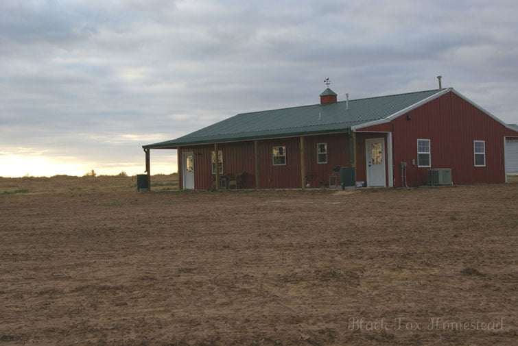 Very simple 30 x 50 metal pole barn home in oklahoma hq for Building a house in oklahoma