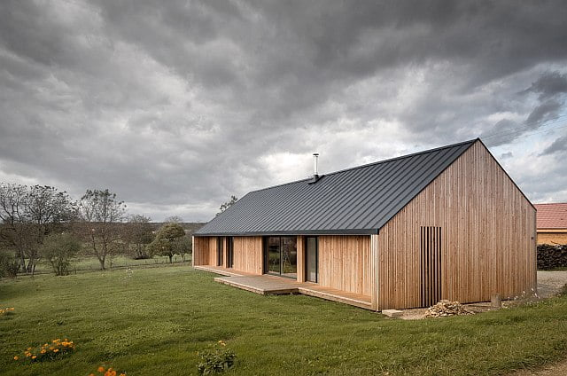 intimate rural house w/ metal roof for peaceful people (hq