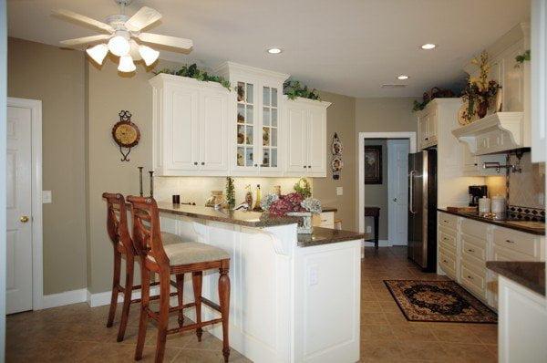 Simple yet spacious kitchen