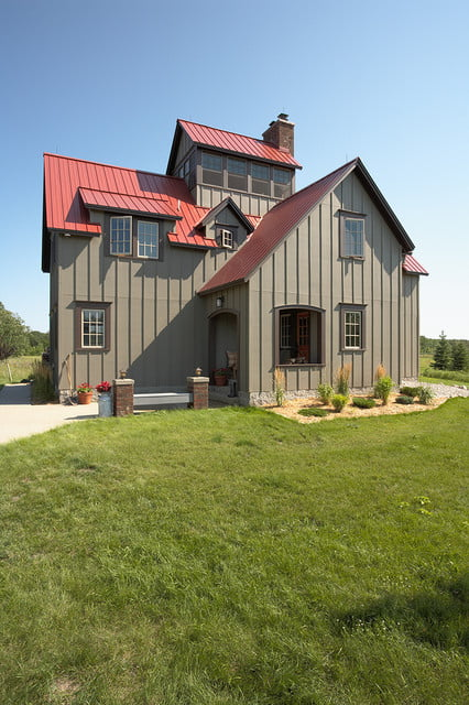 Outstanding metal hunting lodge home hq pictures metal for Small metal barn homes