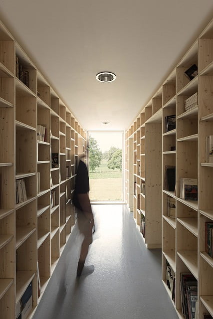 Book lovers will love this house structure idea