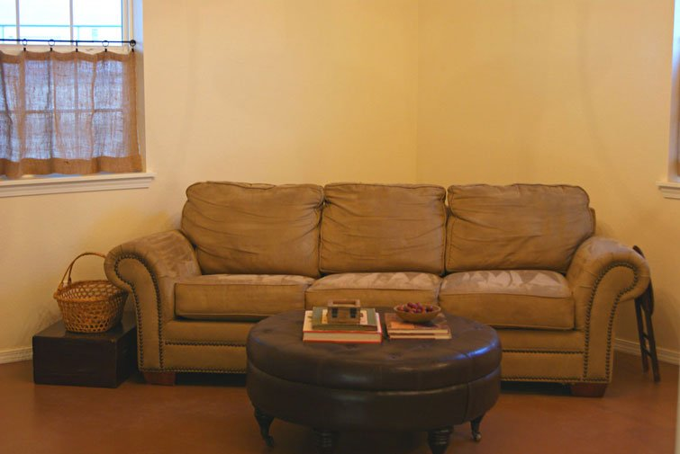Look at those comfy and homey sofa!