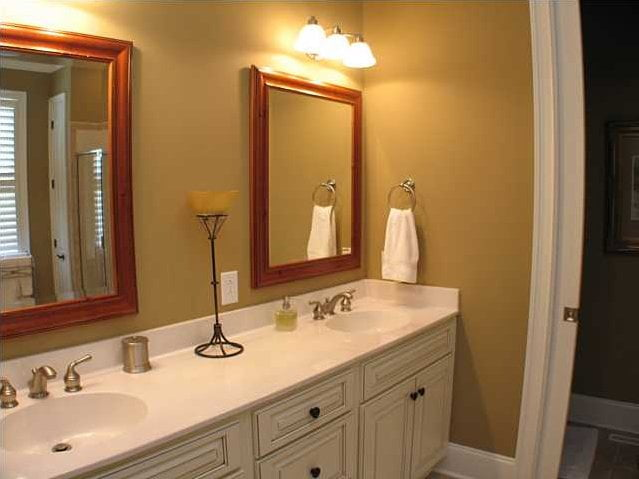 Immaculate powder room