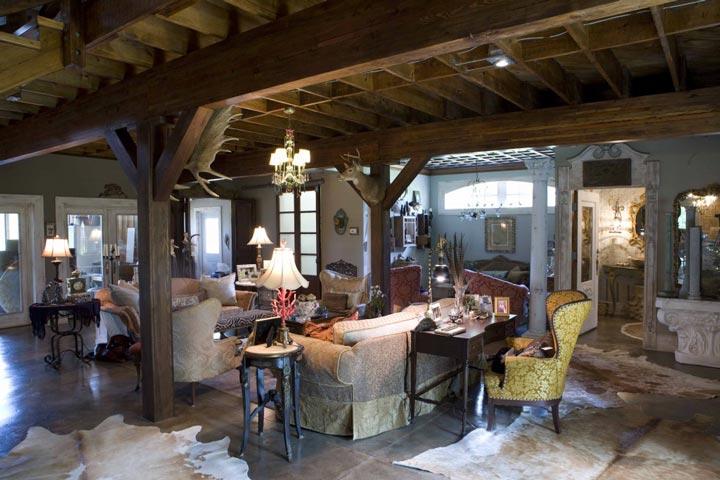 Images of interior living quarters of metal buildings for Metal building interior ideas