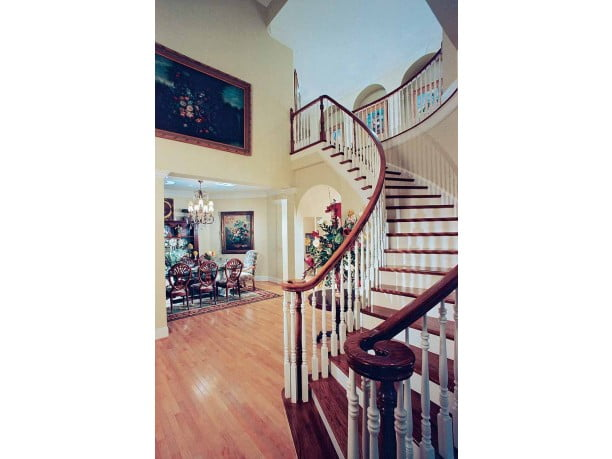 The inviting staircase that leaves you wanting more