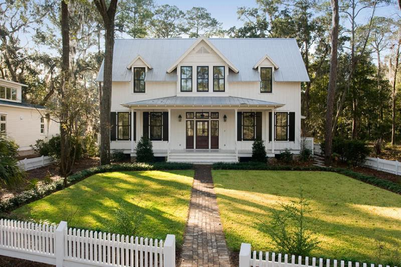 Traditional cottage home w screened wrap around porch hq for Thornton builders modern farmhouse plan