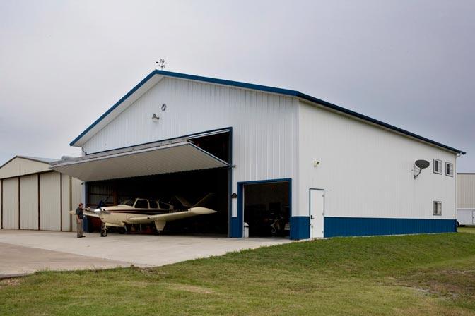 Metal building hangar w living quarters hq pictures for Hangar home designs