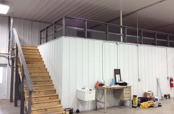 Fantastic metal building storage home w living quarters for Metal building layouts
