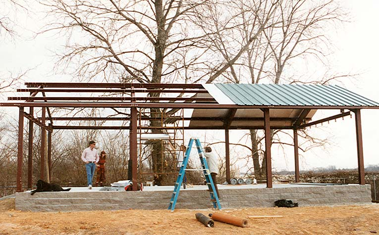 Superb 1 025 sq ft steel frame home w 3 bedrooms hq for Steel metal home gambrel building kit 3500 sq ft