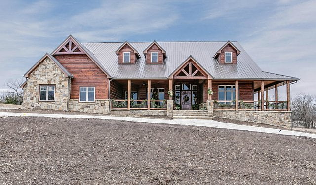 Breathtaking Lodge-type House w/ Amazing Interior (HQ ... Huge Barndominium