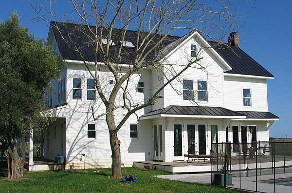 Spacious American Folk Farmhouse w/ Large Attic (HQ Pics & Plans)